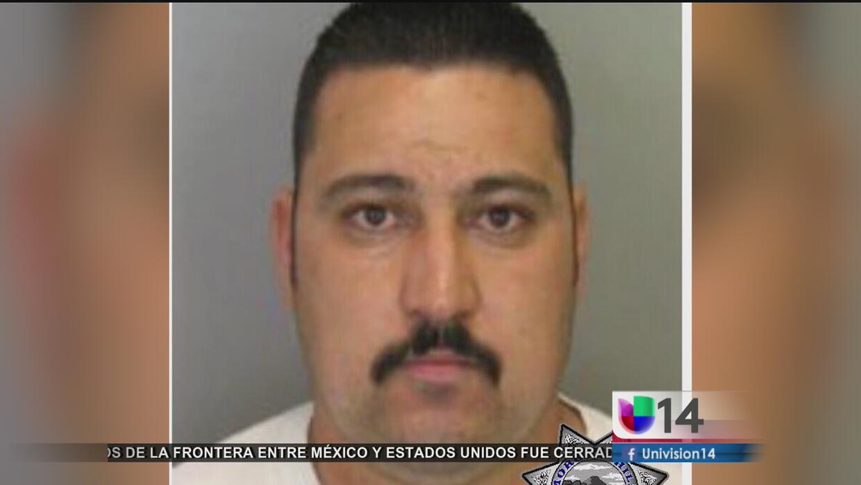 Hombre acusado de apuñalar a su esposa y sus tres hijos