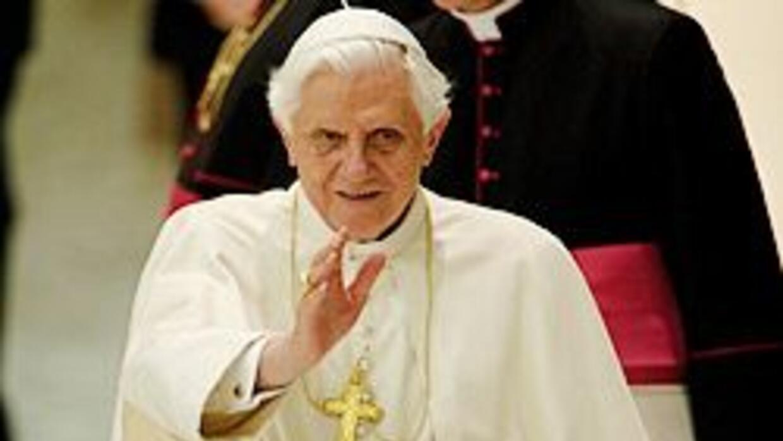 Benedicto XVI pidió a la iglesia alemana ayudar a las víctimas de abusos...
