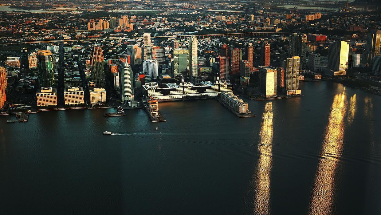 One World Trade Center abrió las puertas de su nuevo observatorio donde...