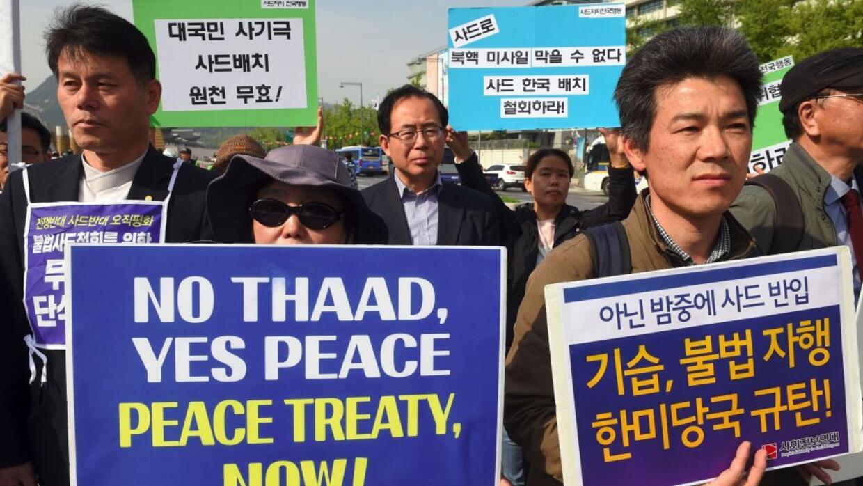 Manifestantes en Corea del Sur protestan por la puesta en marcha del esc...