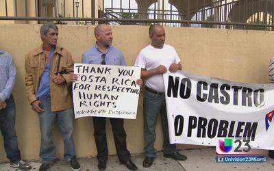 Vuelve a protestar el exilio frente a consulado nicaragüense
