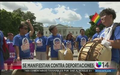 Dreamers se manifiestan contra deportaciones en la Casa Blanca