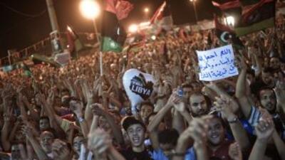 """""""Estamos en contacto con el entorno más cercano del coronel Gadafi (...)..."""