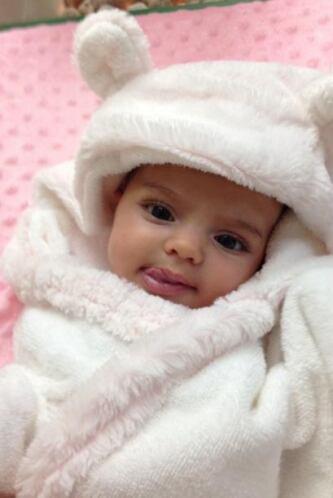 La nena definitivamente sacó el lado gracioso de su padre Eugenio Derbez...