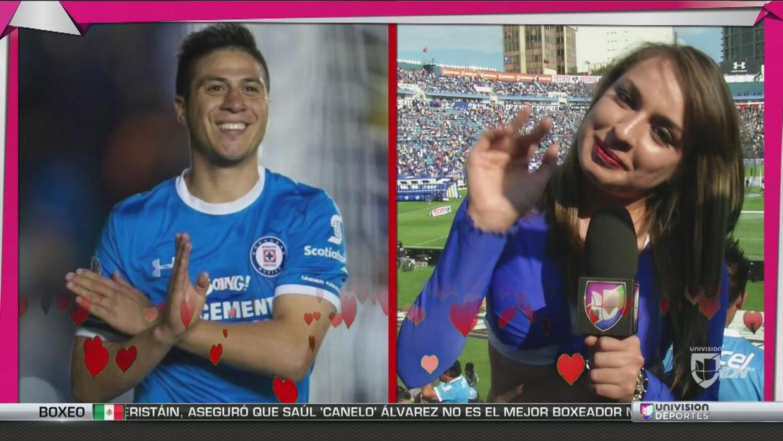 Las desatadas fanáticas del Cruz Azul vs Pumas declararon su amor por su...