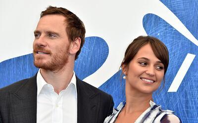 Alicia Vikander y Michael Fassbender deslumbraron en el Festival de Venecia