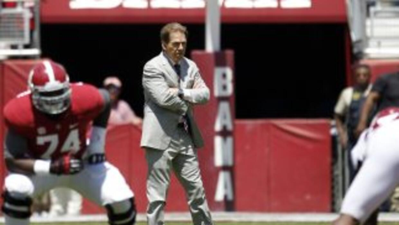 Nick Saban defendió a Peyton Manning y a Adam Gase (AP-NFL).