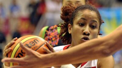 Armadora de la Selección Nacional Femenina de Baloncesto de Puert...
