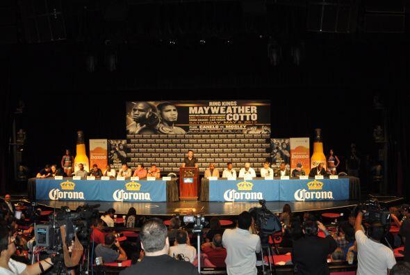 La pelea co estelar de la pelea entre Miguel Cotto y Floyd Mayweather jr...
