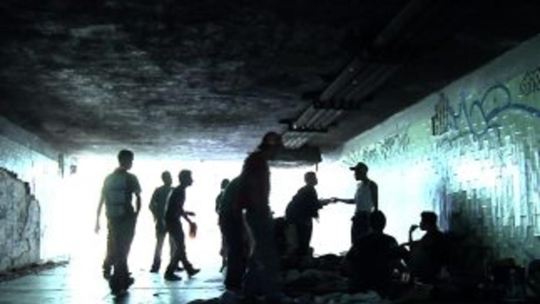 Miles de jóvenes eligieron vivir en los túneles y las clocas de la Ciuda...