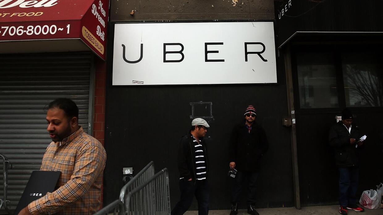 Uber en busca de conductores que hablen español