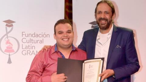 El pianista Jesús Molina-Acosta se convirtió en el ganador de la Beca Ju...