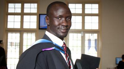 Deng Adut fue un niño soldado en Sudán