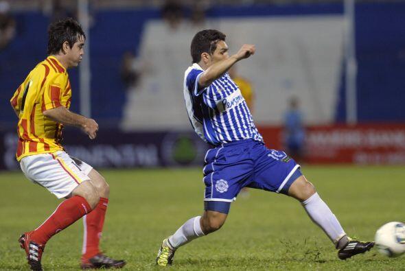 El debut de Salvador fue discreto, el delantero disputó 41 minuto...