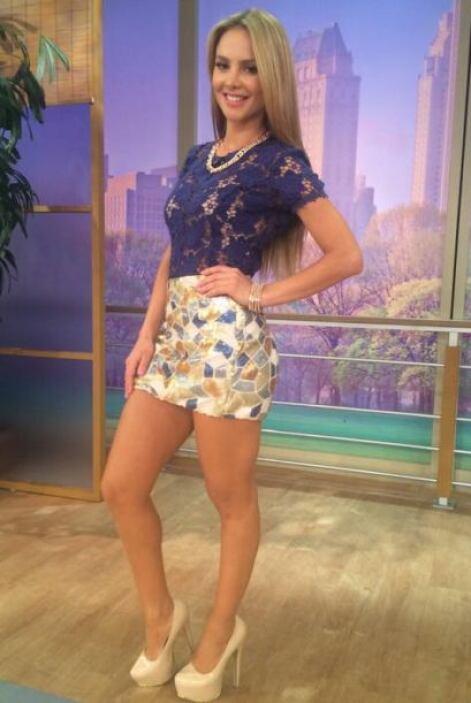 """""""Gracias a @StylebyGGMiami por mi look de hoy en @DespiertaAmeric"""", agra..."""