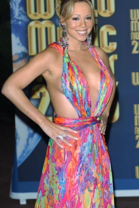 Si Donatella Versace de verdad hubiera sido buena amiga con Mariah Carey...
