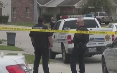 Encuentran muerto a un padre de familia afuera de su casa en el cumpleañ...