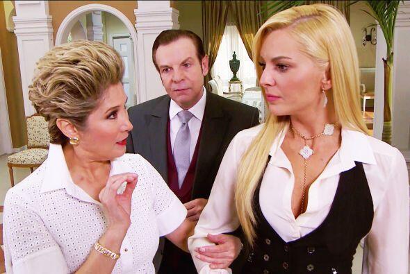 Pero te tenemos una noticia, Sofía le pidió que cancelara todo para su b...