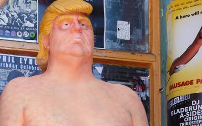Roban la estatua del Trump desnudo que se exhibía en Miami