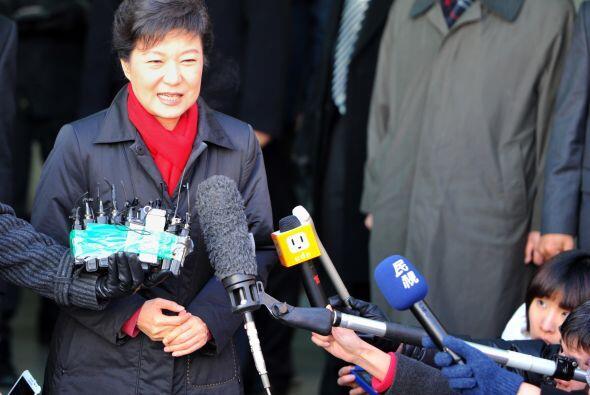 Park Geun-hye, de 60 años, aspira a ser la primera mujer jefa de...