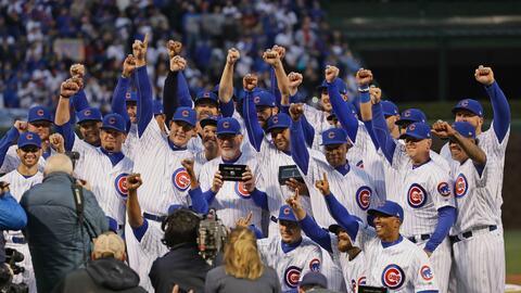 Los Cubs presumieron sus anillos de campeones de las Grandes Ligas.