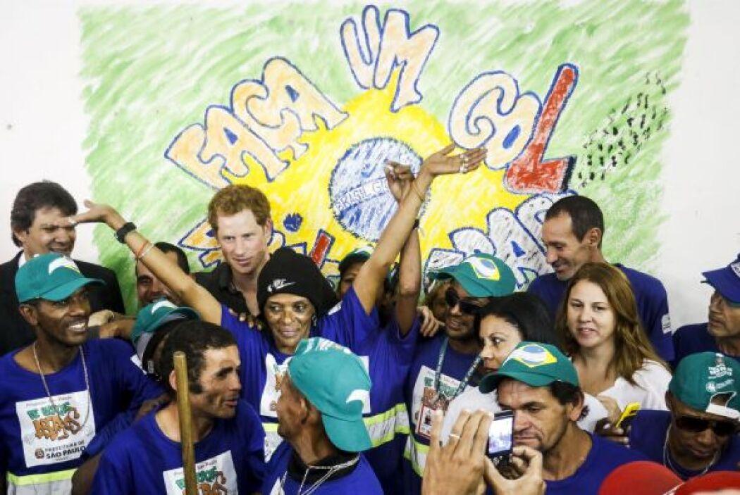 En una visita que ha realizado el príncipe Harry a Brasil, visitó la reg...