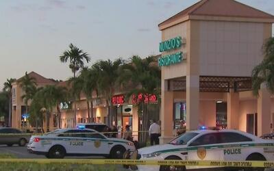 Autoridades buscan al responsable de un homicidio en una licorería