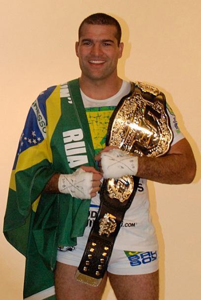 #8 Mauricio Shogun Rua (19-5-0) , el brasileño, de padre portugués y mad...