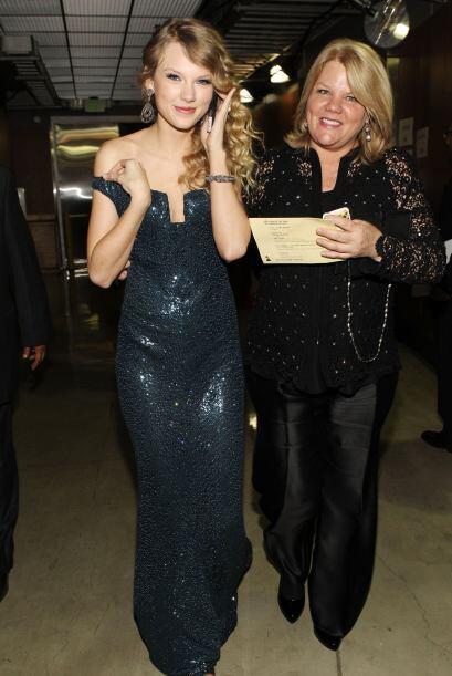 Taylor dijo que como regalo de Navidad, el año pasado pidió a su madre q...