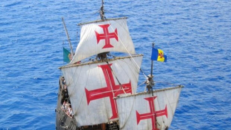 Cristobal Colón zarpó del Puerto de Palosel 3 de agosto de 1492 y que l...