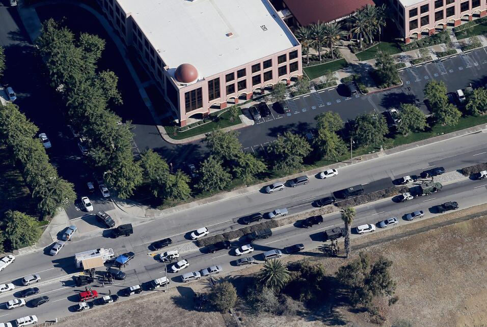 Hispanos consternados por tiroteo en California  sanbernardino6.jpg