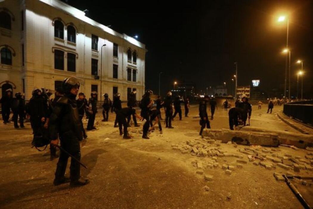 En esa zona, una marcha de partidarios del expresidente fue atacada por...