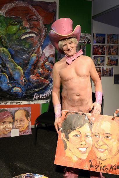 """Un polémico artista participa en la """"Sexpo"""", en Johannesburgo, un evento..."""