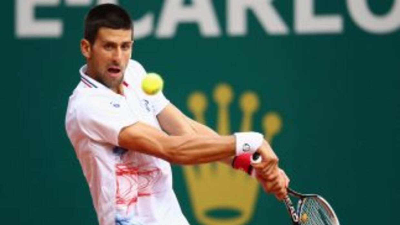 Djokovic utilizó una hora con 39 minutos para poder entrar a los cuartos...