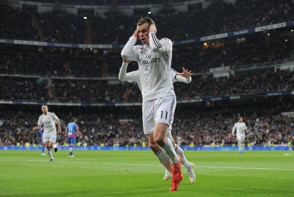 Bale puso el primero tras la tijera que la defensa rechazó.