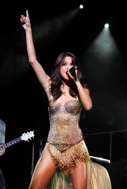 4.-Selena Gómez es una artista completa, ya que ha destacado en la actua...