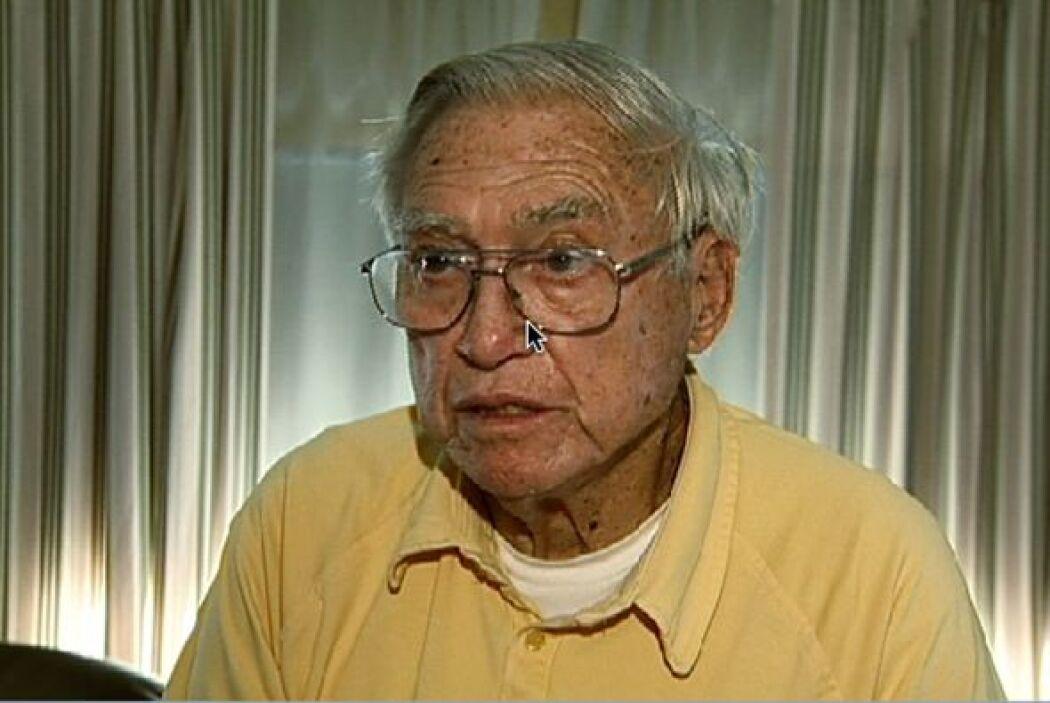 Carl Sutphin es un cura jubilado que abusó de tantos niños que ni él mis...