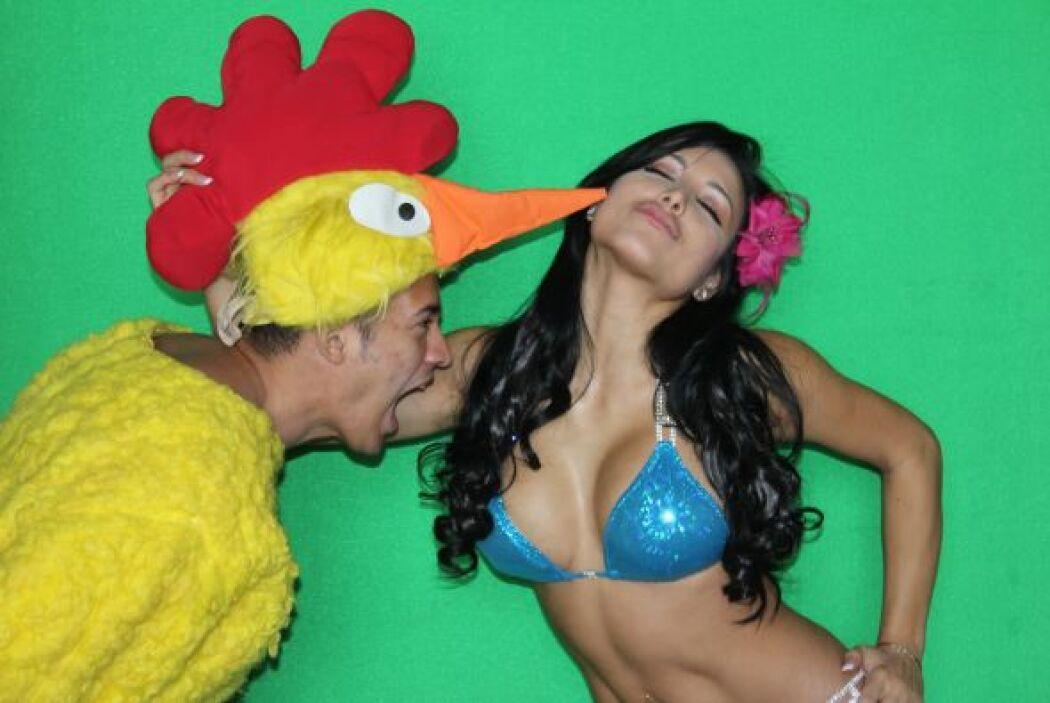 """Hasta el """"pollo"""" de Shakira quería darle una mordidita a la maquillista."""