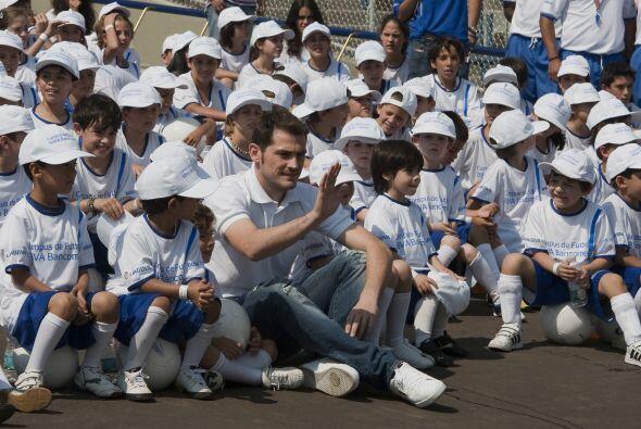 Iker Casillas, arquero del Real Madrid y de la escuadra de España, visit...