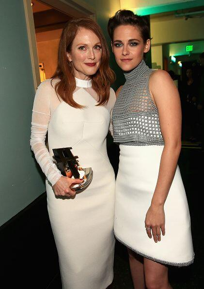 Kristen Stewart, además de reencontrarse con su 'ex', premi&oacut...