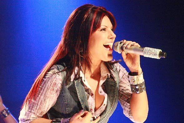 La cantante interpretó uno de sus más recientes éxitos.