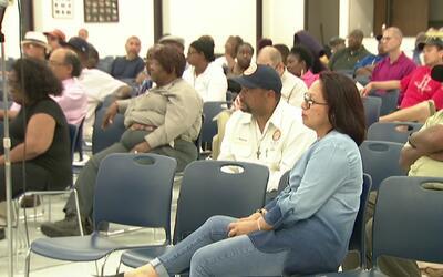Trabajadores de Houston abogan por sus pensiones