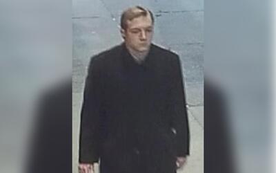 Imágenes del sospechoso de matar a un hombre negro en NYC, tomada...