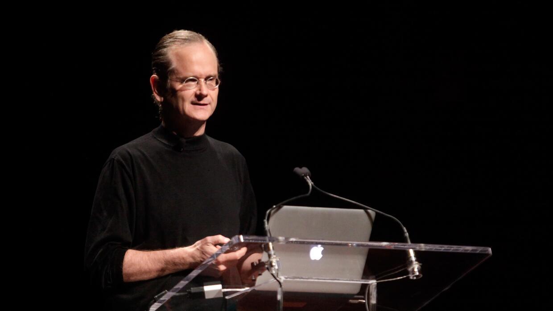 Muchos internautas conocen a Lessig gracias a sus charlas sobre política