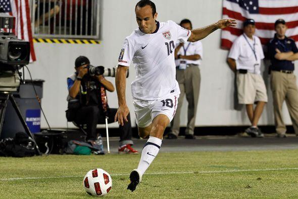 A nivel mundial ha participado en 3 Copas del Mundo (Corea-Japón 2002, A...