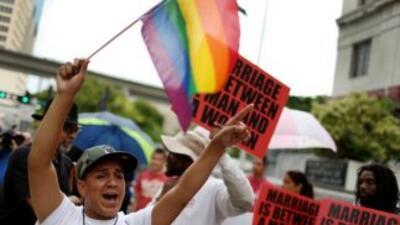 Las parejas homosexuales ahora pueden casarse en los estados de Utah, In...