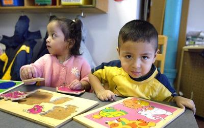 Estudios sugieren que la discrepancia étnica entre maestros y estudiante...