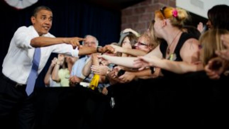 El presidente Obama sigue recibiendo bajas calificaciones en lo que se r...
