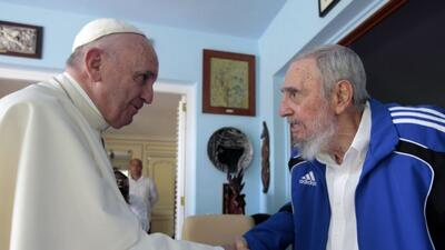 Papa Francisco visitó a Fidel Castro y a su familia en su residencia