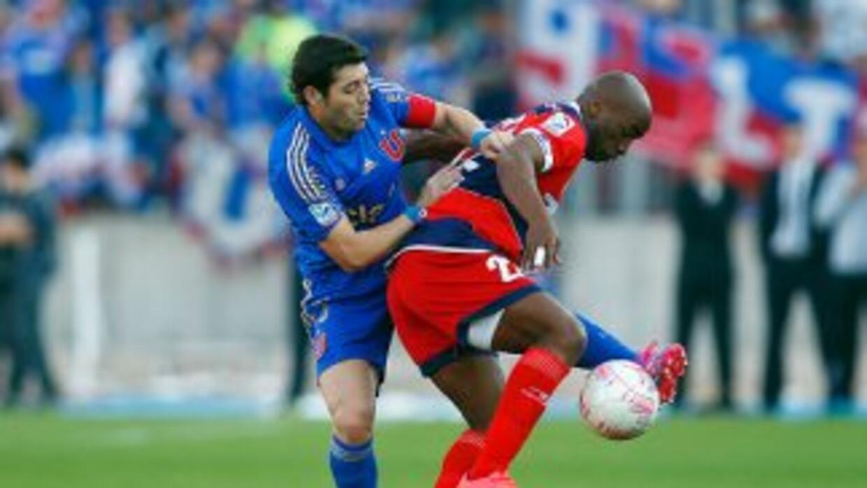 Emilio Renteria juega para el San Marcos de Arica.